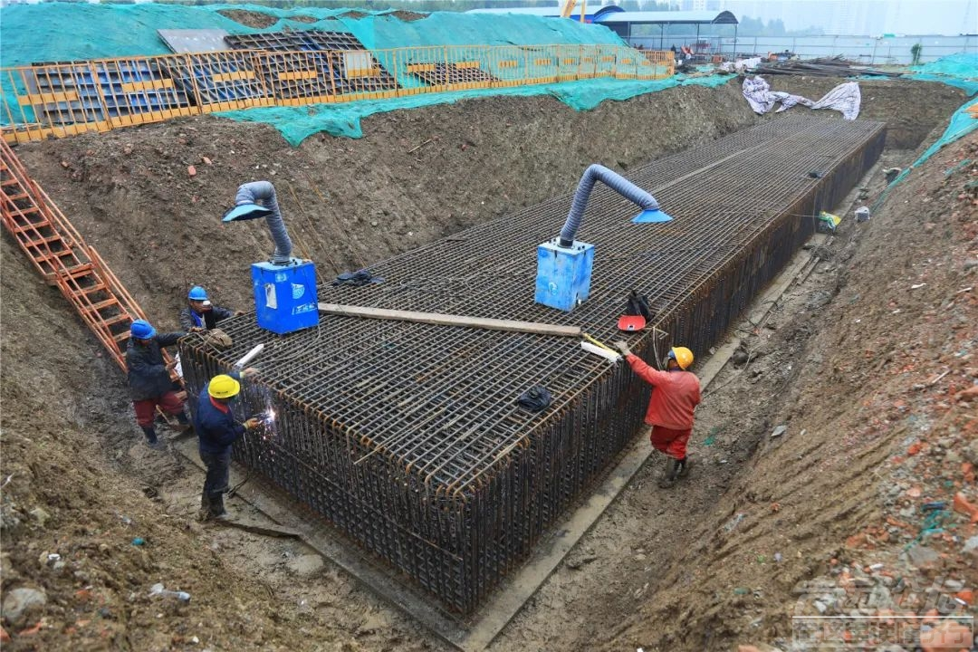 太白湖新区桥梁工程有新进展,渔皇路跨老运河桥下部施工基本完成钢箱梁预计11月开始...-2.jpg